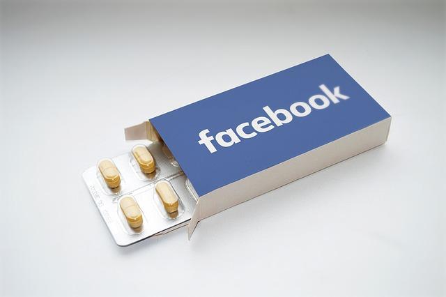 opieka social media