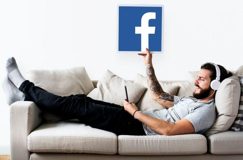 Pozytywne i negatywne strony fanpage'a na Facebooku
